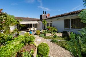 Schoener Garten Haus Verkaufen Bottighofen Kreuzlingen Bodensee Steuergünstig